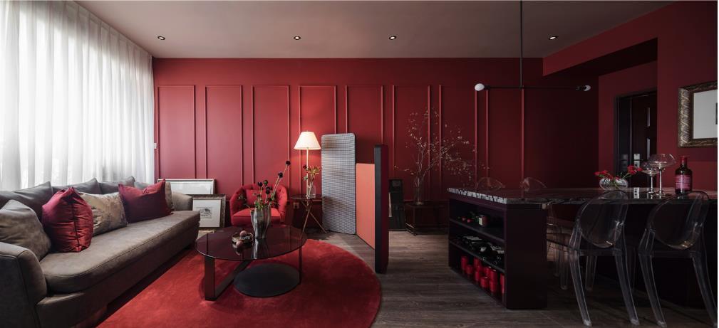 红色的客厅